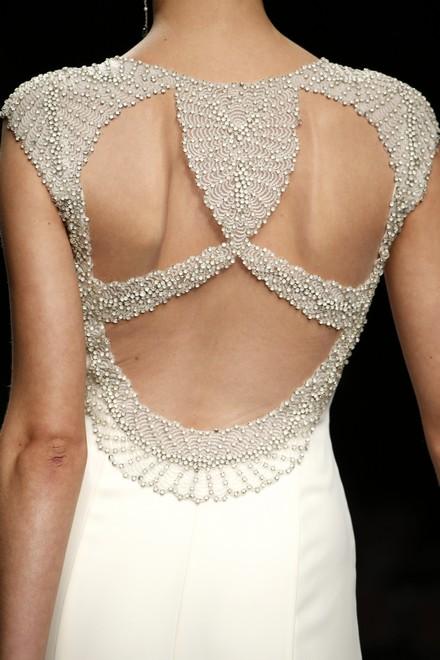 珍珠缀饰 姣姣嫁纱