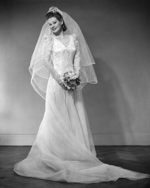 34件穿越年代的惊艳婚纱
