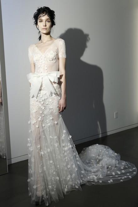 婚纱细节之美:梦幻甜美蝴蝶结