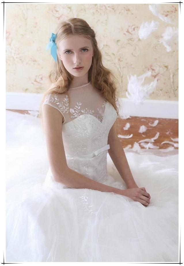 婚纱&发型完美搭配诀窍!挑对婚纱也要选对发型~