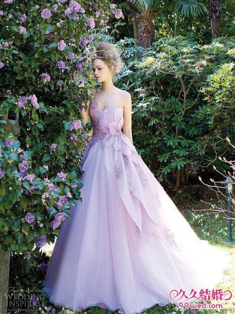 梦幻彩色婚纱 打造浪漫新娘