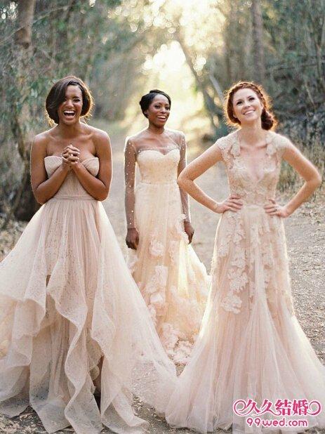 甜美的粉色婚纱 做婚礼梦幻新娘