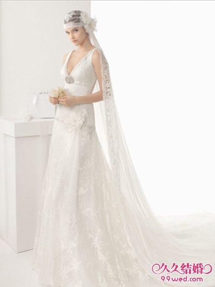 穿欧式简洁纯美婚纱做时尚新娘